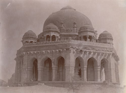 General view of the tomb of Mubarak Sayyid, Delhi